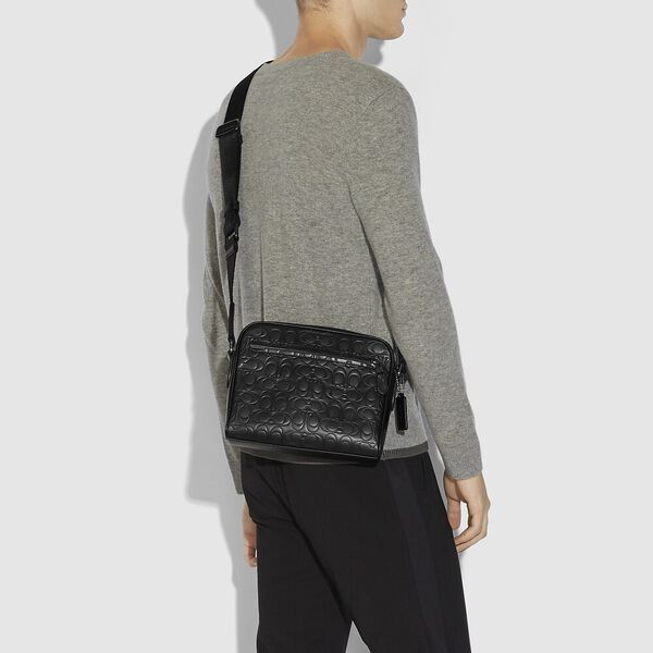 Metropolitan Soft Camera Bag In Signature Leather, QB/BLACK, hi-res
