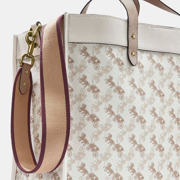 Field Tote 40 With Horse And Carriage Print, B4/CHALK TAUPE, hi-res