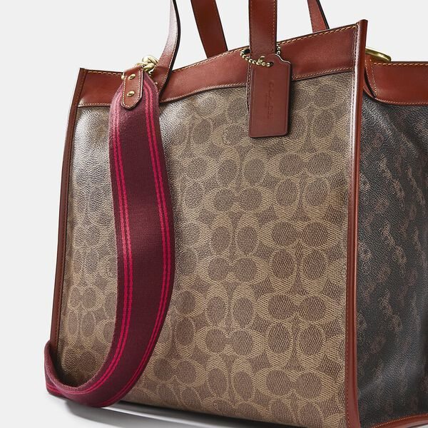 Field Tote In Signature Canvas With Horse And Carriage Print, B4/TAN BROWN RUST, hi-res