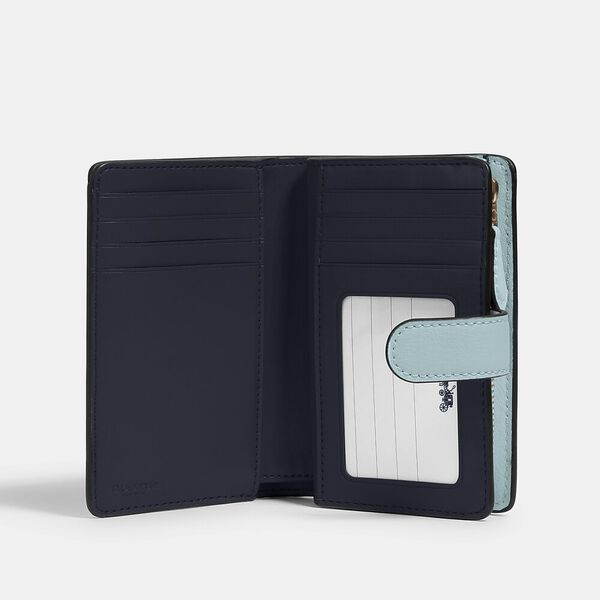 Medium Corner Zip Wallet In Signature Leather, SV/SEAFOAM, hi-res