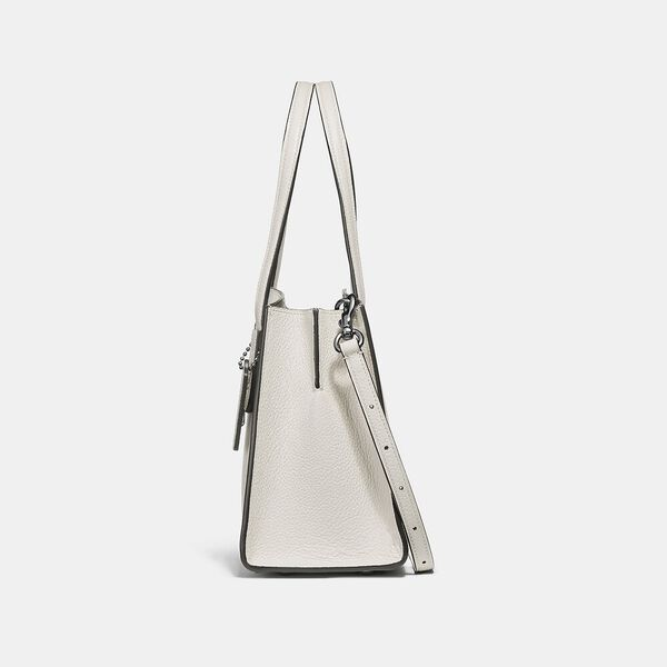 Charlie Carryall 28, GM/CHALK, hi-res