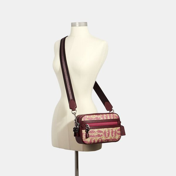 Vale Jes Crossbody In Signature Canvas With Rexy By Guang Yu, SV/LT KHAKI/ELCTRC PINK MULTI, hi-res
