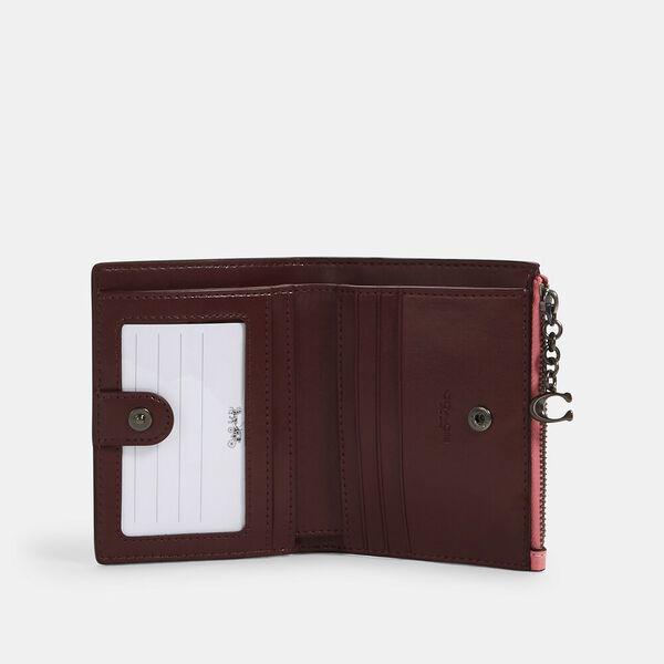 Snap Card Case In Signature Leather, QB/PINK LEMONADE, hi-res